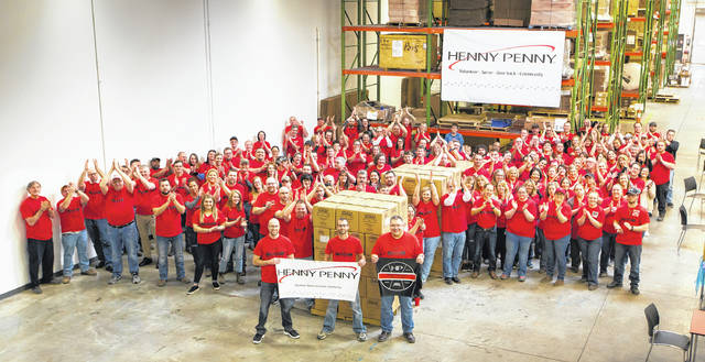 While much of the country was focused on college athletes putting points on the board during March Madness, Henny Penny was working to put meals on the tables of hungry Dayton families. On March 16, employee volunteers packaged 34,000 meals in one hour for distribution by the Foodbank of Dayton.
